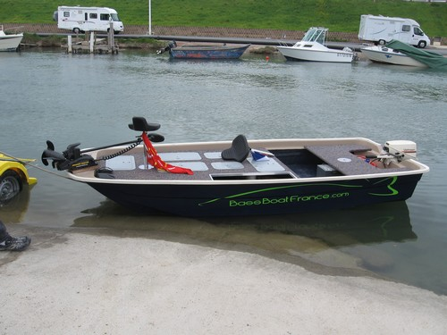 Bass boat france moteur bateau occasion for Instinct bass boat