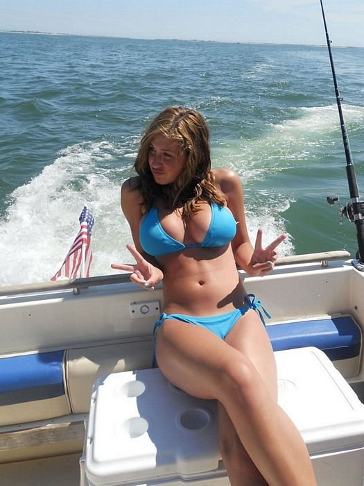 Naked amateur girls on a bass boat sex porn images for Sexy girls fishing